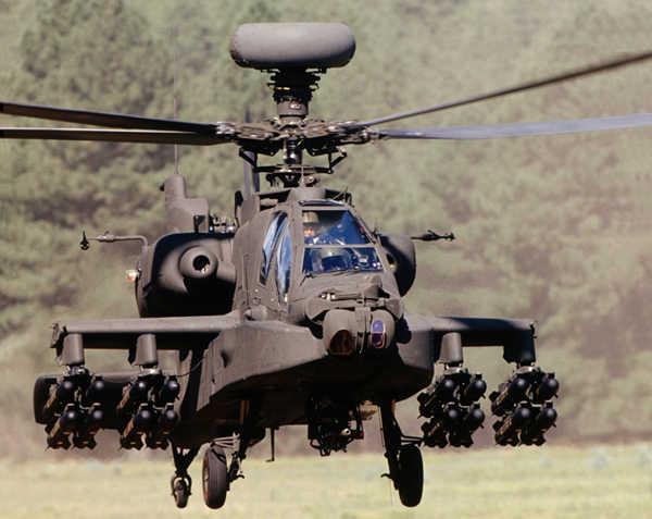 US AH64 Apache 02