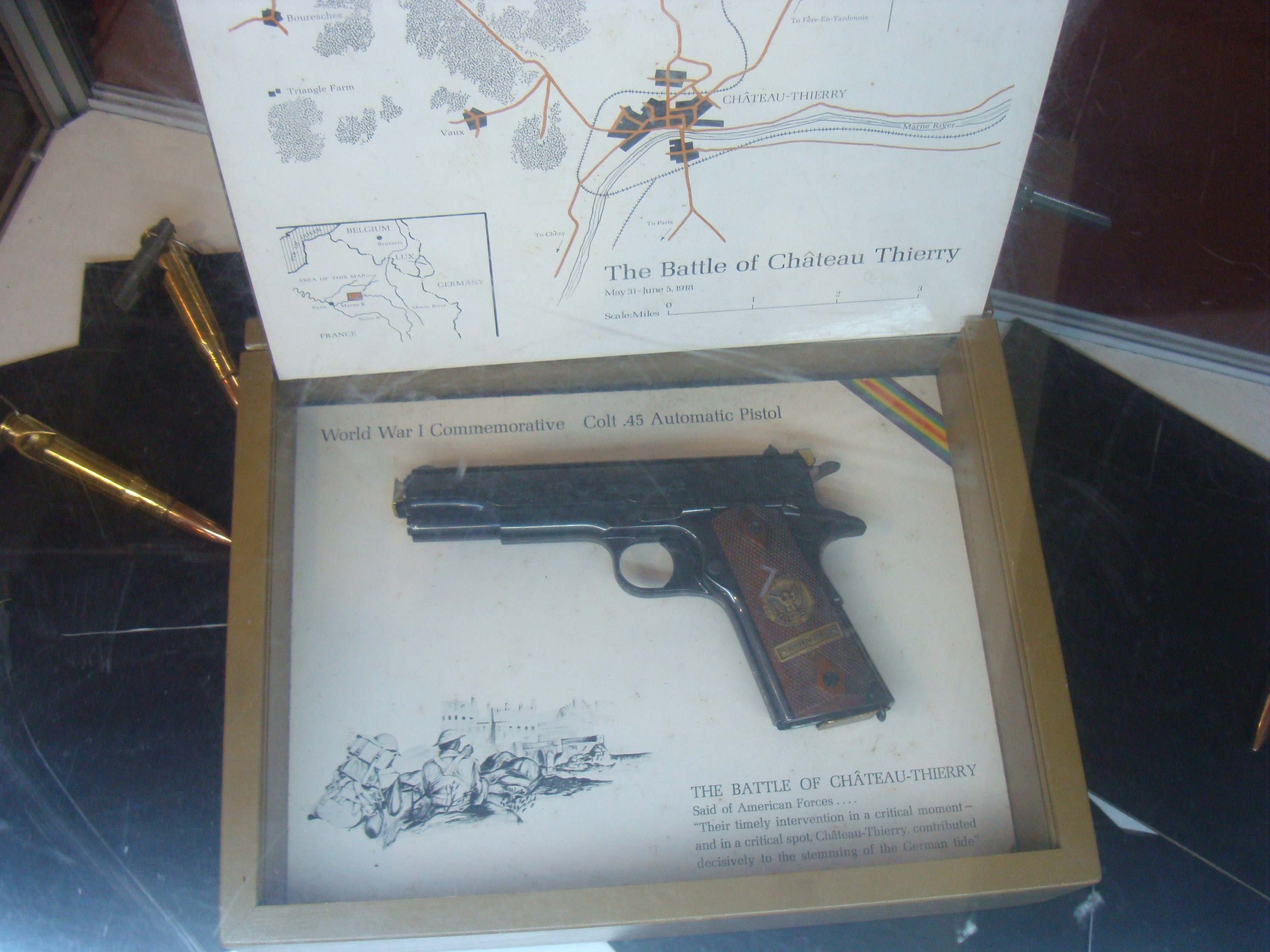 FAMAS? More like the Croatian VHS assault rifle