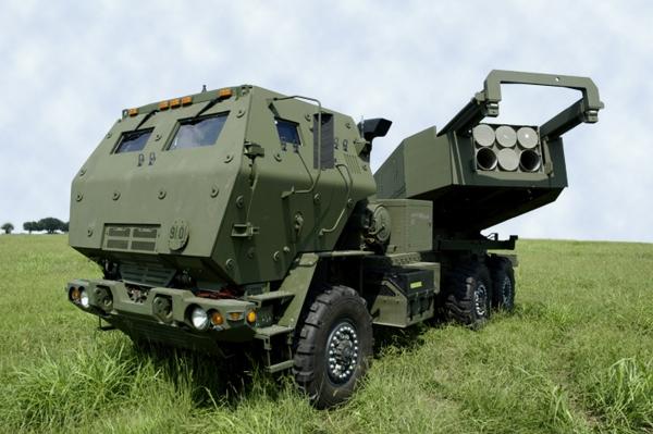 US HIMARS MLRS 02