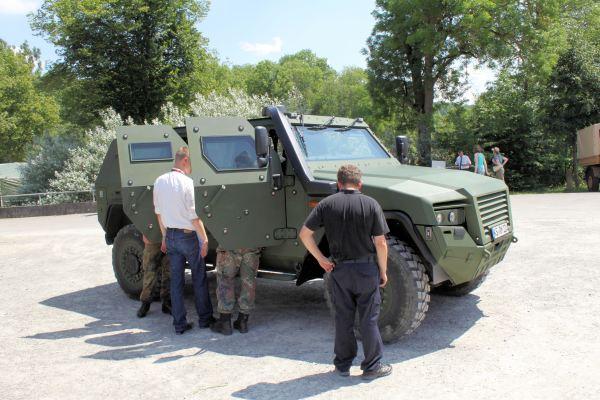 German KMW AMPV 4x4 02