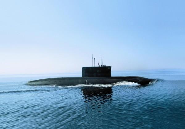 Russian Kilo-class submarine 01