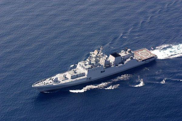 Indian Talwar-class frigate 01