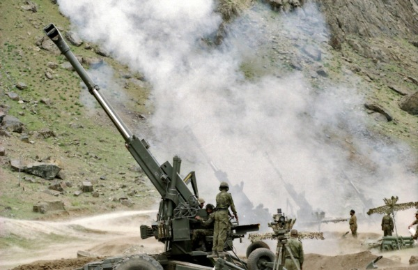 Indian 155mm artillery in Kargil