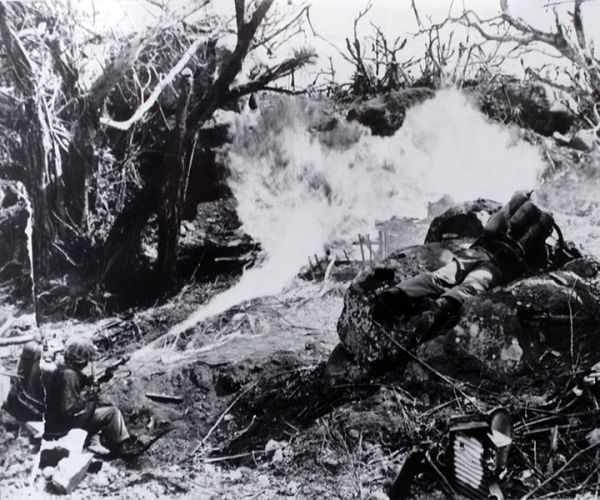 US Marines Tarawa flamethrower