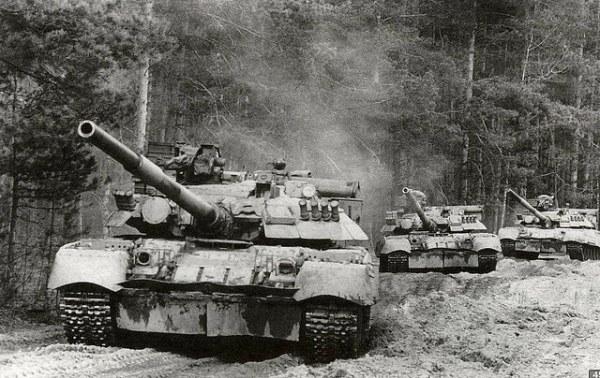 Russian T-80U MBT 02