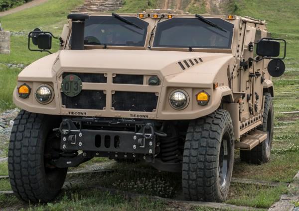 US AM General BRV-0 02