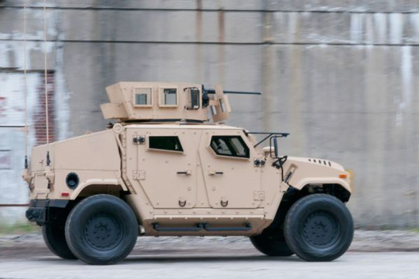 US AM General BRV-0 03