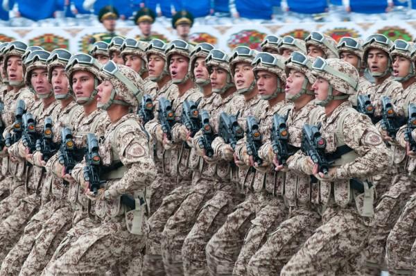 Turkmenistan soldiers TAR-21 rifle c2014