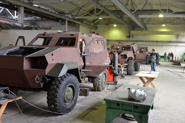 ukrainian-dozor-4x4-production-line-02