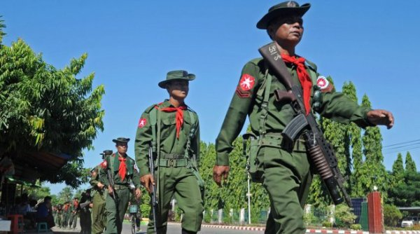 myanmar-soldiers-01