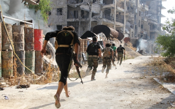 syrian-rebels-running-combat