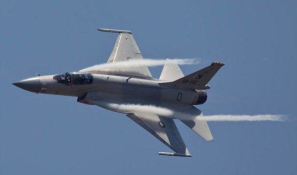 pakistan-jf-17-fighter-01