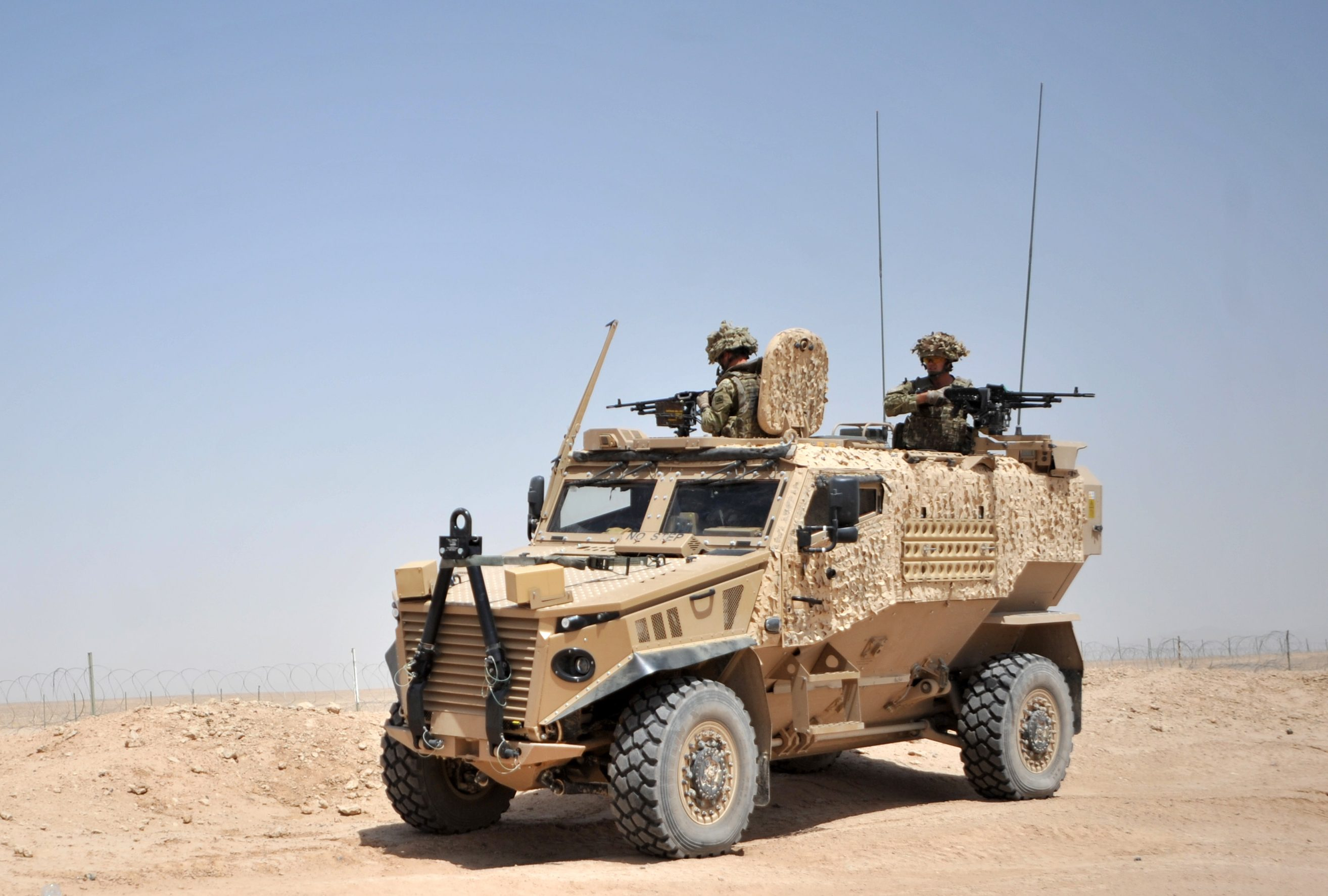 Armored Cars: General Dynamics Foxhound LPPV   21st ...